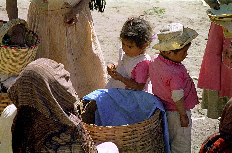 Kids in Zachila Market