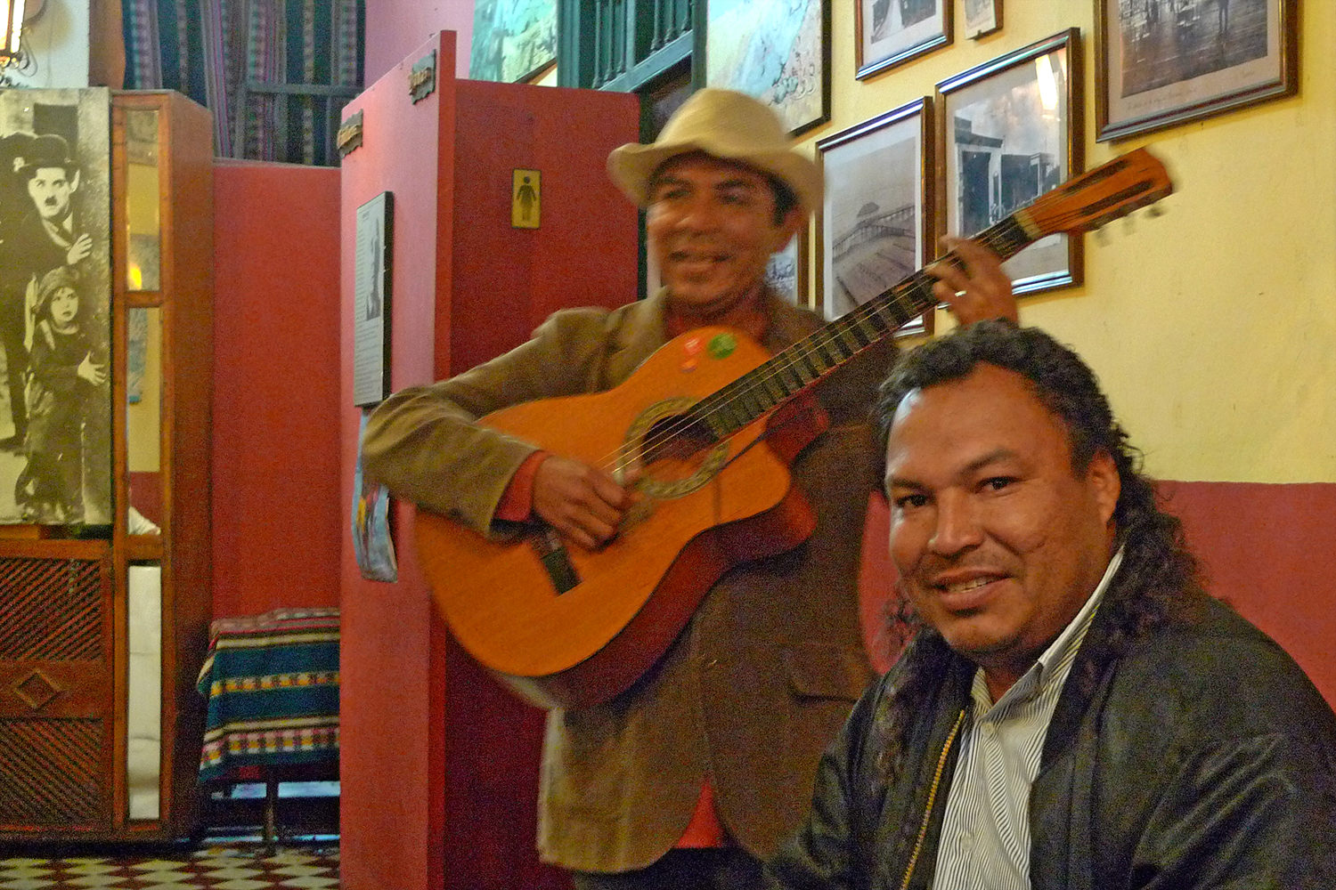 Musicians in Lima Resturant
