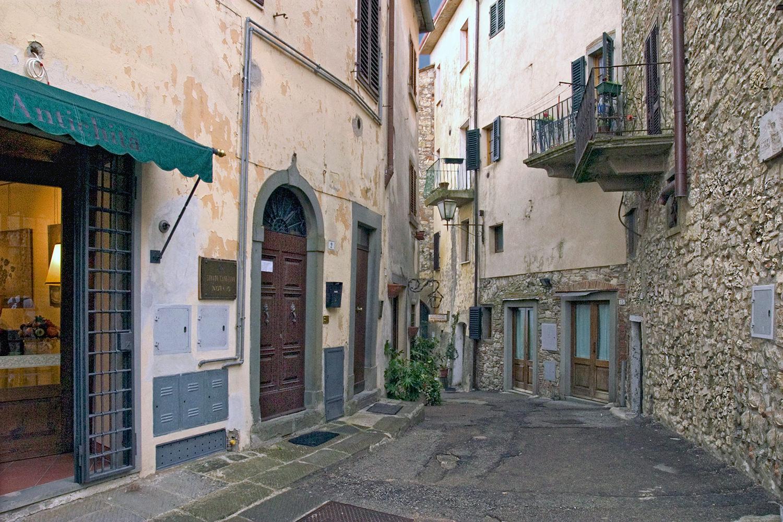 Radda Street